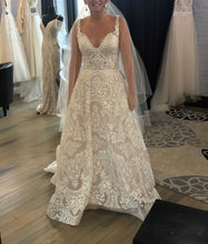 Load image into Gallery viewer, Allure Bridals '9602' wedding dress size-08 NEW