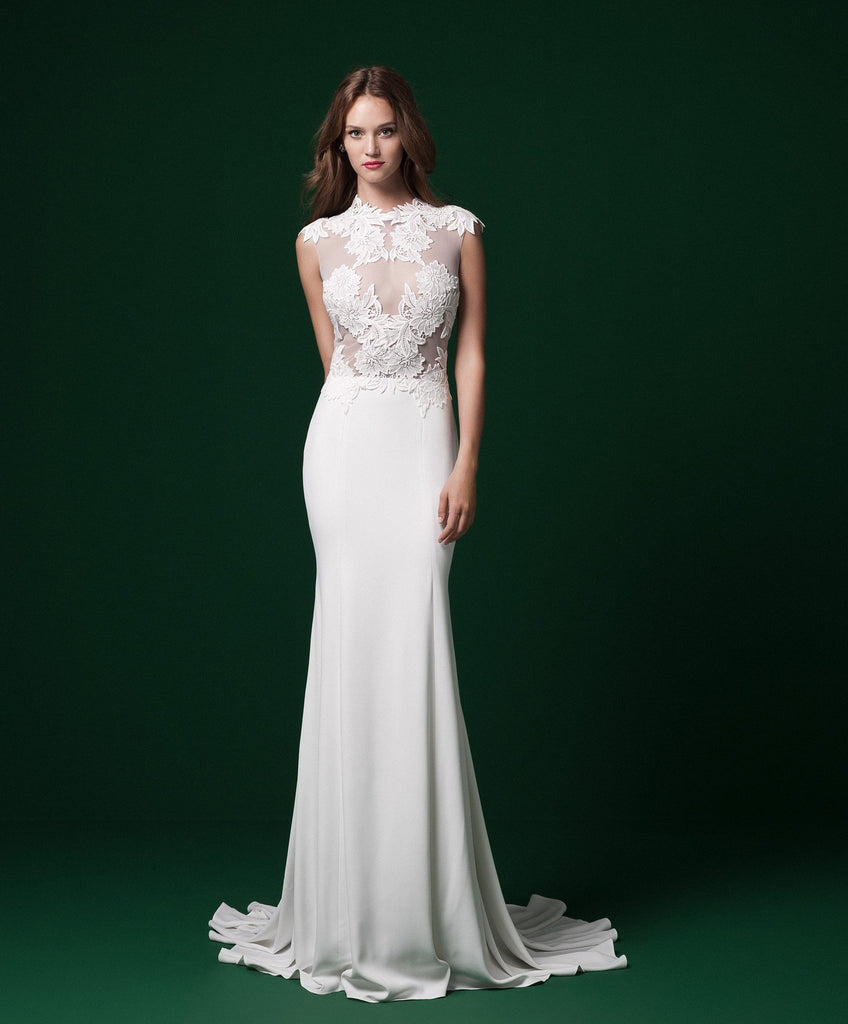 Daalarna 'PRD 232' size 6 sample wedding dress front view on model