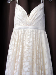 Truvelle 'Custom' size 4 used wedding dress front view close up