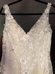 Robin Jillian 'Sweetheart' size 10 new wedding dress front view on hanger