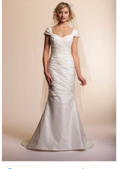 Amy Kuschel 'Tulip' size 4 used wedding dress front view on model