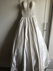 Allure 'Ballgown' size 4 new wedding dress front view on hanger