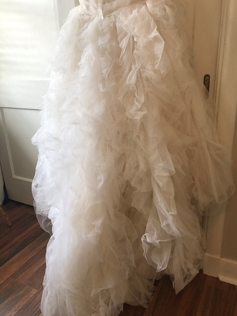 Essence of Australia '1541' size 2 used wedding dress view of train