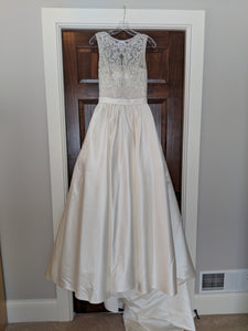 Allure '9152' size 8 new wedding dress front view on hanger