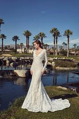 L'Amour 'Rita' size 6 new wedding dress front view on model