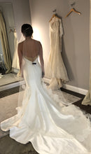 Load image into Gallery viewer, Sareh Nouri 'Paulina' size 2 used wedding dress back view on bride