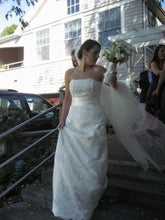 "Load image into Gallery viewer, Monique Lhuillier ""Mona"" - Monique Lhuillier - Nearly Newlywed Bridal Boutique - 1"