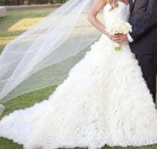 Load image into Gallery viewer, Vera Wang 'Eleanor' size 2 used wedding dress side view on bride