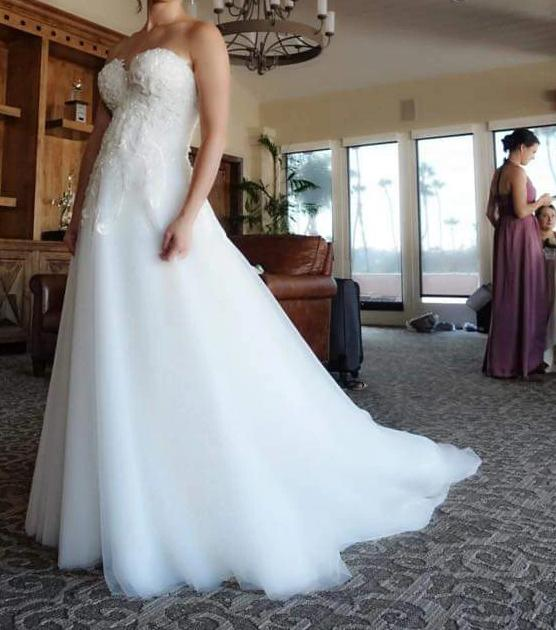 Jana Ann Couture 'Custom' size 0 used wedding dress front view on bride