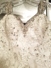 Load image into Gallery viewer, Allure Bridals '9164' wedding dress size-08 PREOWNED