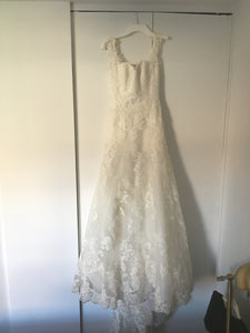 Enzoani 'Blue' size 4 used wedding dress front view on hanger