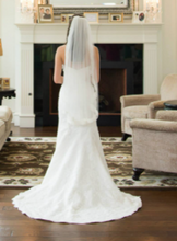 Load image into Gallery viewer, Demetrios '900' wedding dress size-02 PREOWNED