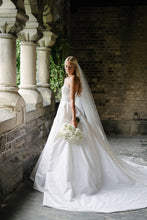 Load image into Gallery viewer, Reem Acra 'I'm Awesome' size 2 used wedding dress side view on bride