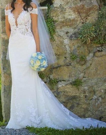 Nicole Spose 'NIAB 1840' size 6 used wedding dress front view on bride