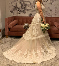 Load image into Gallery viewer, Randi Fenoli 'Spring 2018' size 10 used wedding dress side view on bride