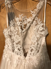 David Tutera for Mon Cheri 'Classic' size 4 used wedding dress back view on hanger