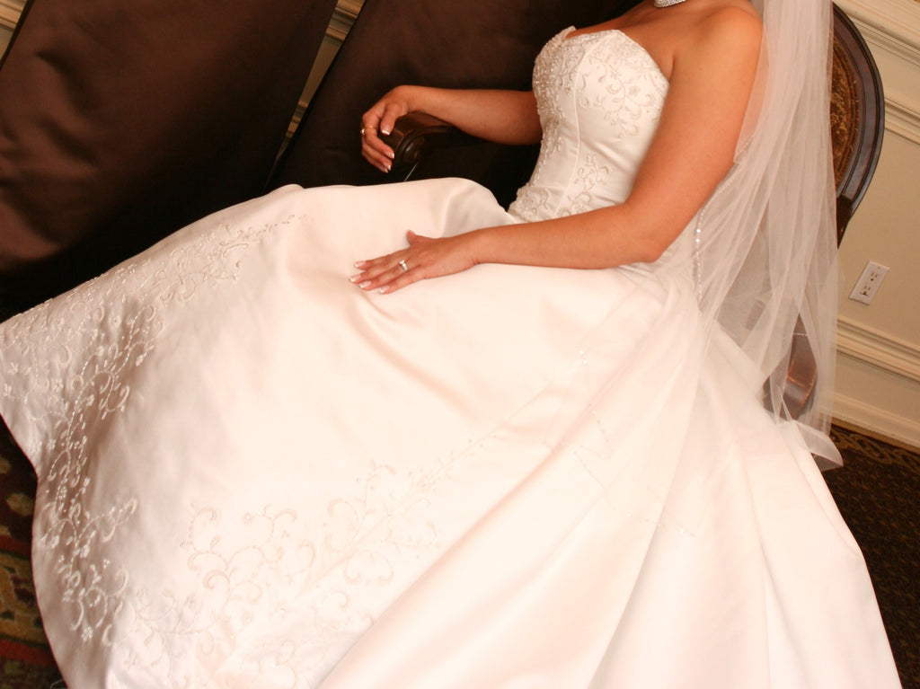 Winifred Bean 'Tulipe' Off White Wedding Dress - Winifred Bean - Nearly Newlywed Bridal Boutique - 1