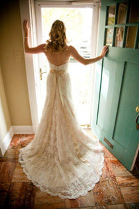 Watters 'Pasadena' size 2 used wedding dress back view on bride