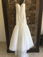 Justin Alexander 'Plunging Neckline' size 0 new wedding dress front view on hanger