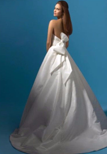 Alfred Angelo Tucker Size 6 Used Wedding Dress