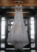 Load image into Gallery viewer, Allure Bridals 'C283' - Allure Bridals - Nearly Newlywed Bridal Boutique - 2