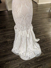 Hayley Paige 'West Gown' size 12 used wedding dress view of hem