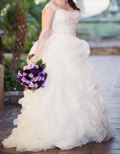 Load image into Gallery viewer, Allure Bridals '9110' wedding dress size-10 PREOWNED
