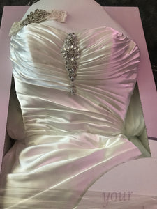 Maggie Sottero 'Couture' size 10 used wedding dress in box