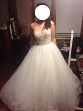 Load image into Gallery viewer, Allure Style 9006 - Allure - Nearly Newlywed Bridal Boutique - 1