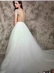 Calle Blanche 'Callie' size 6 new wedding dress back view on model