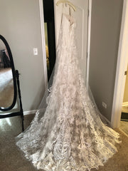 Casablanca 'Brielle' size 20 new wedding dress back view on hanger