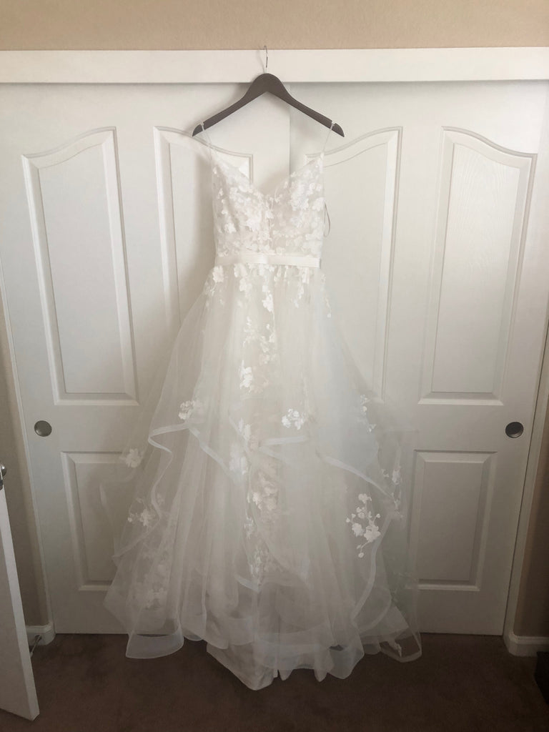 Casablanca 'BL219 Sweet' size 8 new wedding dress front view on hanger