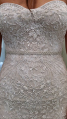 Monique Lhuillier 'Gweneth' size 8 used wedding dress close up of fabric