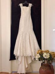 Aire Barcelona 'Timeless Lace' size 6 new wedding dress front view on hanger
