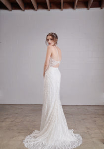 Niquie 'Lisa' size 4 sample wedding dress back view on model