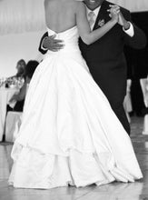 Load image into Gallery viewer, Amy Kuschel 'MODA II' - amy kuschel - Nearly Newlywed Bridal Boutique - 6