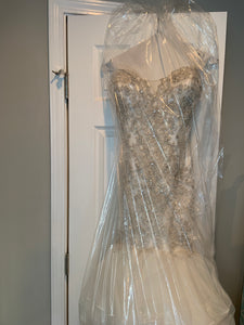 Justin Alexander '8901' size 12 used wedding dress front view on hanger