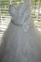 Load image into Gallery viewer, Rosa Clara 'Two' size 12 used wedding dress front view on hanger