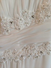 David's Bridal 'Soft Chiffon' size 6 new wedding dress view of detail
