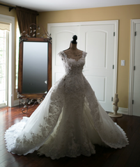 Zuhair Murad 'Summer Collection' size 6 used wedding dress front view on mannequin