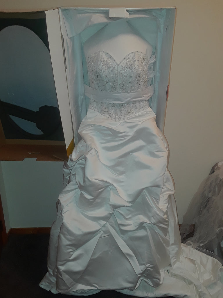 Demetrios 'A Line' size 8 used wedding dress front view on hanger