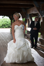 Load image into Gallery viewer, Hayley Paige 'Keaton' wedding dress size-06 PREOWNED