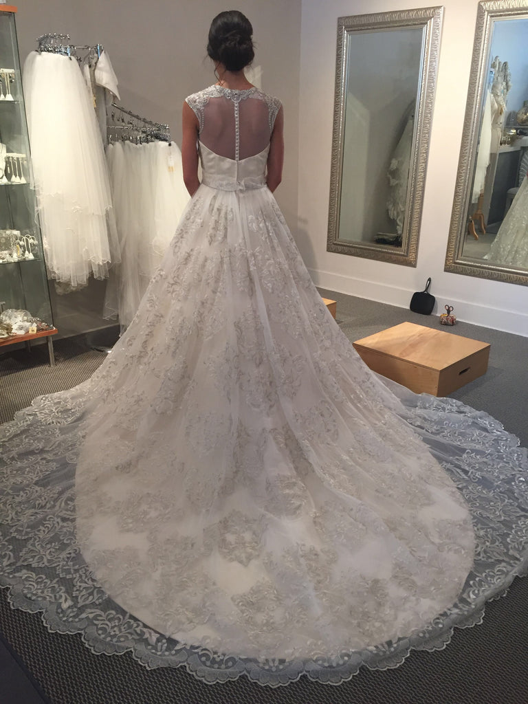 Cristiano Lucci 'Raquel' size 4 new wedding dress back view on bride