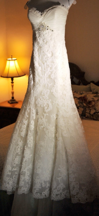 Enzoani 'Eva' size 6 used wedding dress front view on hanger