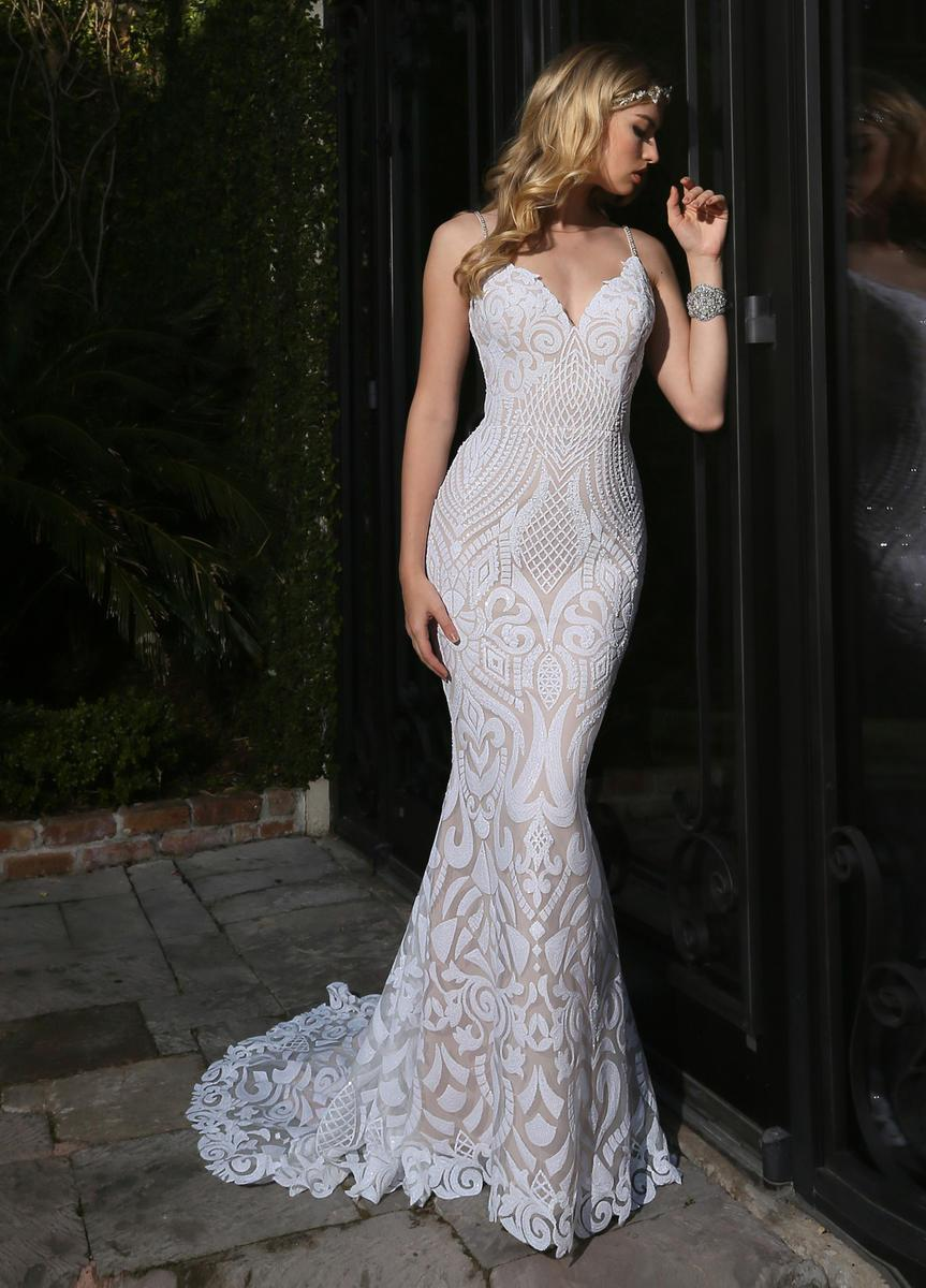 Beautiful, form-flattering, sparkling wedding dress!