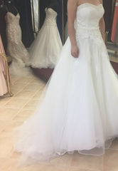 Anjolique Bridal '46319' size 6 used wedding dress side view on bride