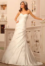 Load image into Gallery viewer, Stella York '5852' - Stella york - Nearly Newlywed Bridal Boutique - 1