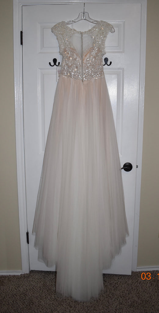 Watters 'Calanthe' size 0 new wedding dress back view on hanger