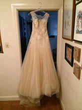 Load image into Gallery viewer, Pronovias 'Obdulia' - Pronovias - Nearly Newlywed Bridal Boutique - 3