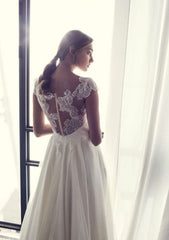 Riki Dalal 'Camil' size 4 used wedding dress back view on model